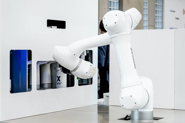 [UP! START] 라운지랩, 배달커피 전용 바리스타 로봇 '바리스 브루' 롤아웃